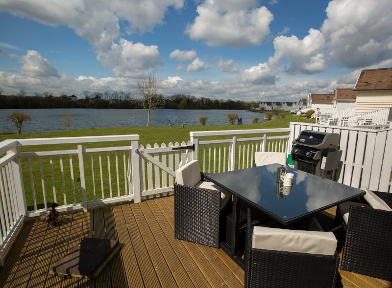 3 Bed Lodge In South Cerney 9255229 One Spring Lake In