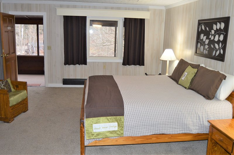 1 Bed Room In Elkins 8489269 202 Waterfront Private