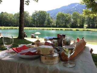 Lac Bleu, Swimming lake with beach and activities, 15 mins walk from Chalet Pomet