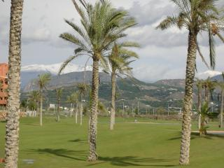 Moriscos Golf Club, Motril (snow on mountains)