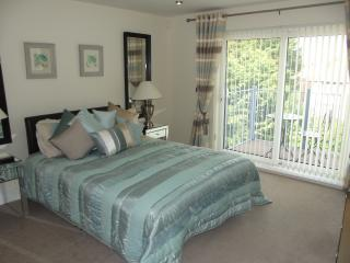 Fully carpeted, TV with freeview access on to balcony at rear elevation and ensuite bathroom.