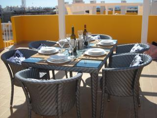 Relax in style dining on the roof terrace