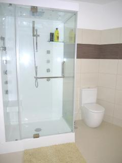 Double Jet Showers in 2 En-suites