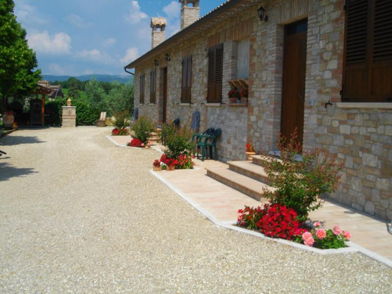 Buy commercial property in Todiselone Todi