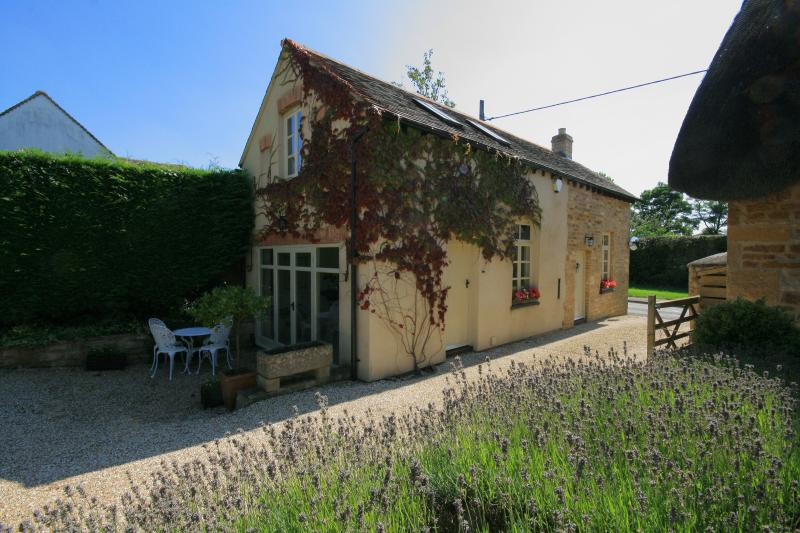 Cottage rental in Bledington with golf nearby
