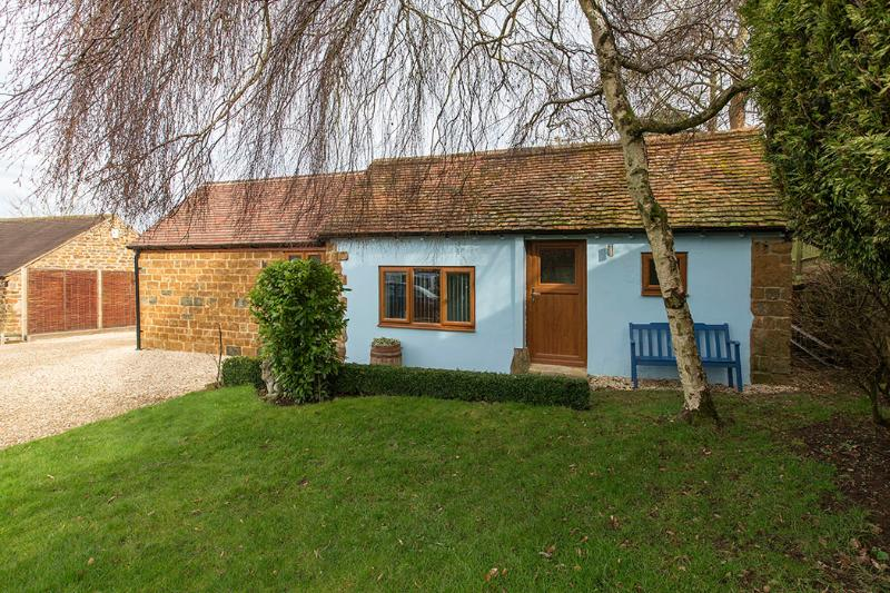 Wisteria Cottage  | Warmington  | near Banbury