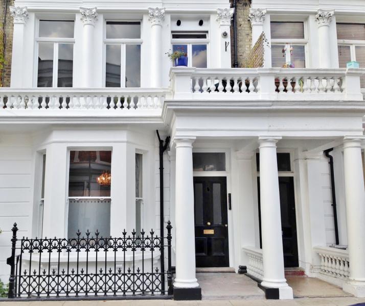 2 Bed Apartment In West Kensington