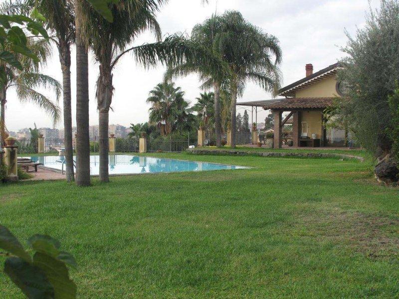 Вилла в Катания с бассейном