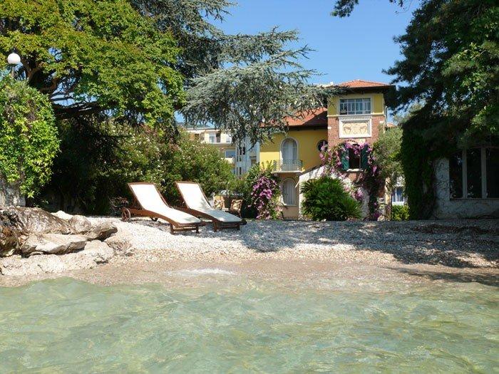 Case di costo a Garda sulla spiaggia di rubli