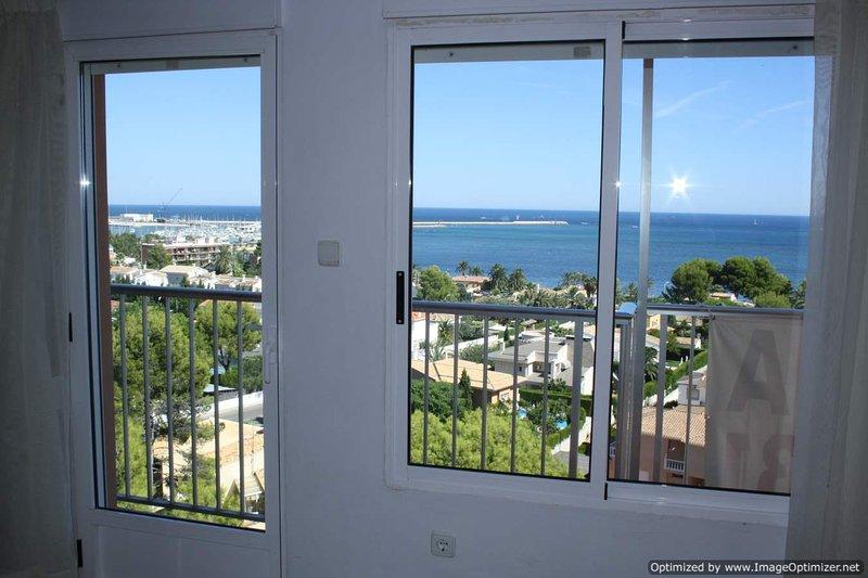Купить апартаменты на берегу моря 20000