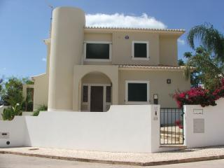 Apartments in Meia Praia and Villas from £35 - Holiday Rentals Meia ...