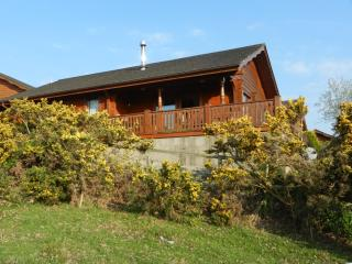 log cabins in ireland find luxury hot tub cabins rh holidaylettings co uk
