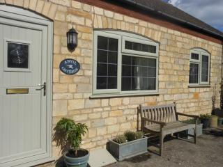 cottages in cotswolds and houses from 19 holiday rentals rh holidaylettings co uk