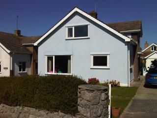 cottages in rhosneigr and holiday homes from 51 holiday rentals rh holidaylettings co uk