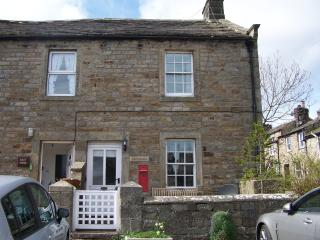 hiking walking holiday accommodation in yorkshire dales national rh holidaylettings co uk