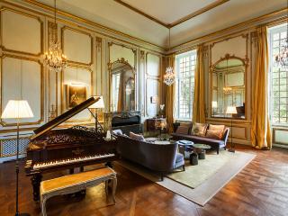 Apartments In Saint Germain En Laye And Villas From 131 Holiday