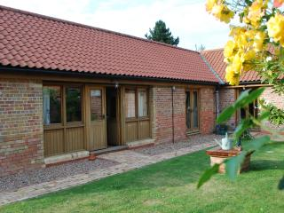 Magnificent Log Cabins In Woodhall Spa And Cottages From 60 Holiday Home Interior And Landscaping Palasignezvosmurscom