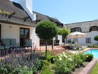Prime Guest Houses In Somerset West And Holiday Rentals From 18 Download Free Architecture Designs Scobabritishbridgeorg