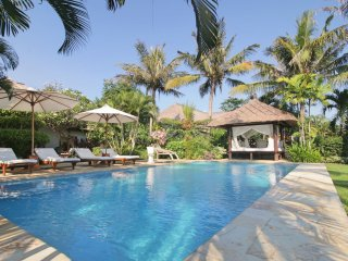 villas in temukus and bungalows from 35 holiday rentals temukus rh holidaylettings co uk
