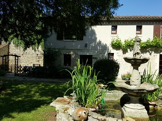 c211823ea8b Gites in Chef-Boutonne and Houses from £44 - Holiday Rentals Chef ...