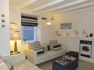 Superb Cottages In St Ives And Apartments From 19 Holiday Home Interior And Landscaping Ologienasavecom