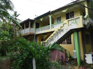 villas in port antonio and guest houses from 16 holiday rentals rh holidaylettings co uk