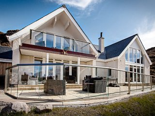 Fantastic Cottages In Ullapool And Holiday Homes From 62 Holiday Download Free Architecture Designs Embacsunscenecom