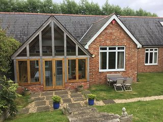 Wondrous Cottages In Hampshire And Self Catering Accommodation Download Free Architecture Designs Salvmadebymaigaardcom