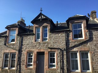 cottages in crieff and log cabins from 11 holiday rentals crieff rh holidaylettings co uk