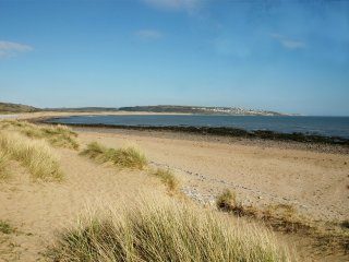 houses in porthcawl and guest houses from 34 holiday rentals rh holidaylettings co uk
