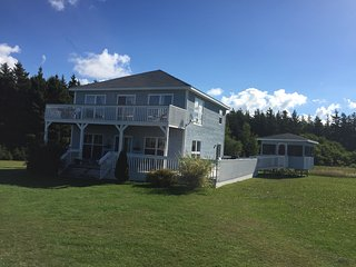 Swell Holiday Rentals In Prince Edward Island And Cottages From Download Free Architecture Designs Viewormadebymaigaardcom