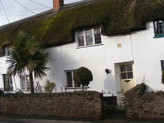 cottages in williton and houses from 45 holiday rentals williton rh holidaylettings co uk