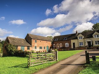 houses in fenny bentley and cottages from 61 holiday rentals rh holidaylettings co uk