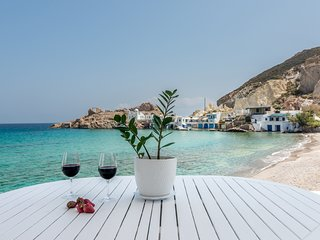 Villas in Milos and Apartments from £34 - Holiday Rentals Milos