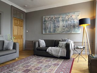 Apartments in Edinburgh and Flats from £17 - Holiday Rentals