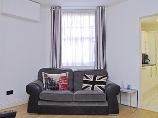 Excellent Apartments In London And Flats From 11 Holiday Rentals Interior Design Ideas Clesiryabchikinfo