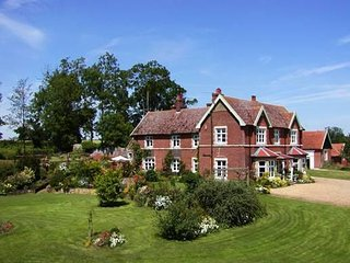 cottages in bungay and flats from 69 holiday rentals bungay rh holidaylettings co uk