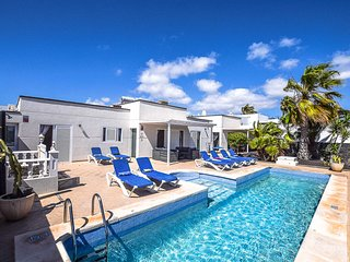 7b5871ee34 Villas in Lanzarote and Apartments from £11 - Holiday Rentals ...