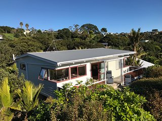 Holiday homes in Waiheke Island and Houses from £104