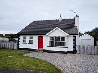 Terrific Cottages In Northern Ireland And Houses From 23 Holiday Home Interior And Landscaping Ologienasavecom