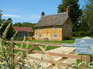 cottages in symondsbury and lodges from 163 holiday rentals rh holidaylettings co uk